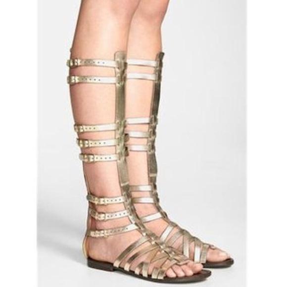 bcc6cce2700 Steve Madden Gold Sparta Gladiator Sandals. M 5b6cd06bf3036999db6eb283